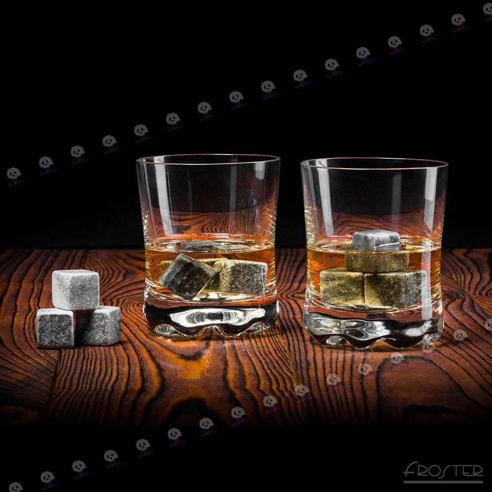 Бокалы и камни для виски