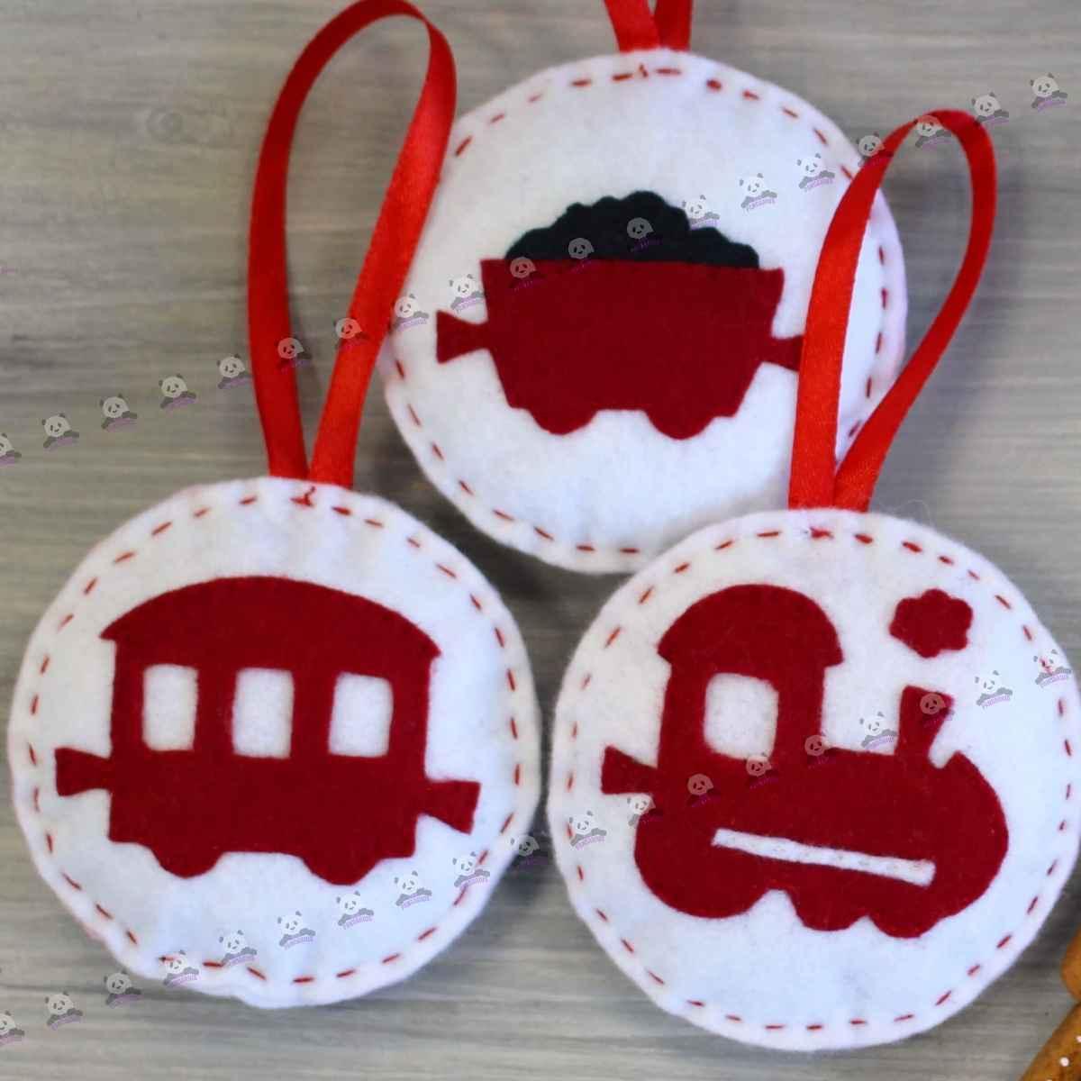 Елочные игрушки паровоз и вагоны