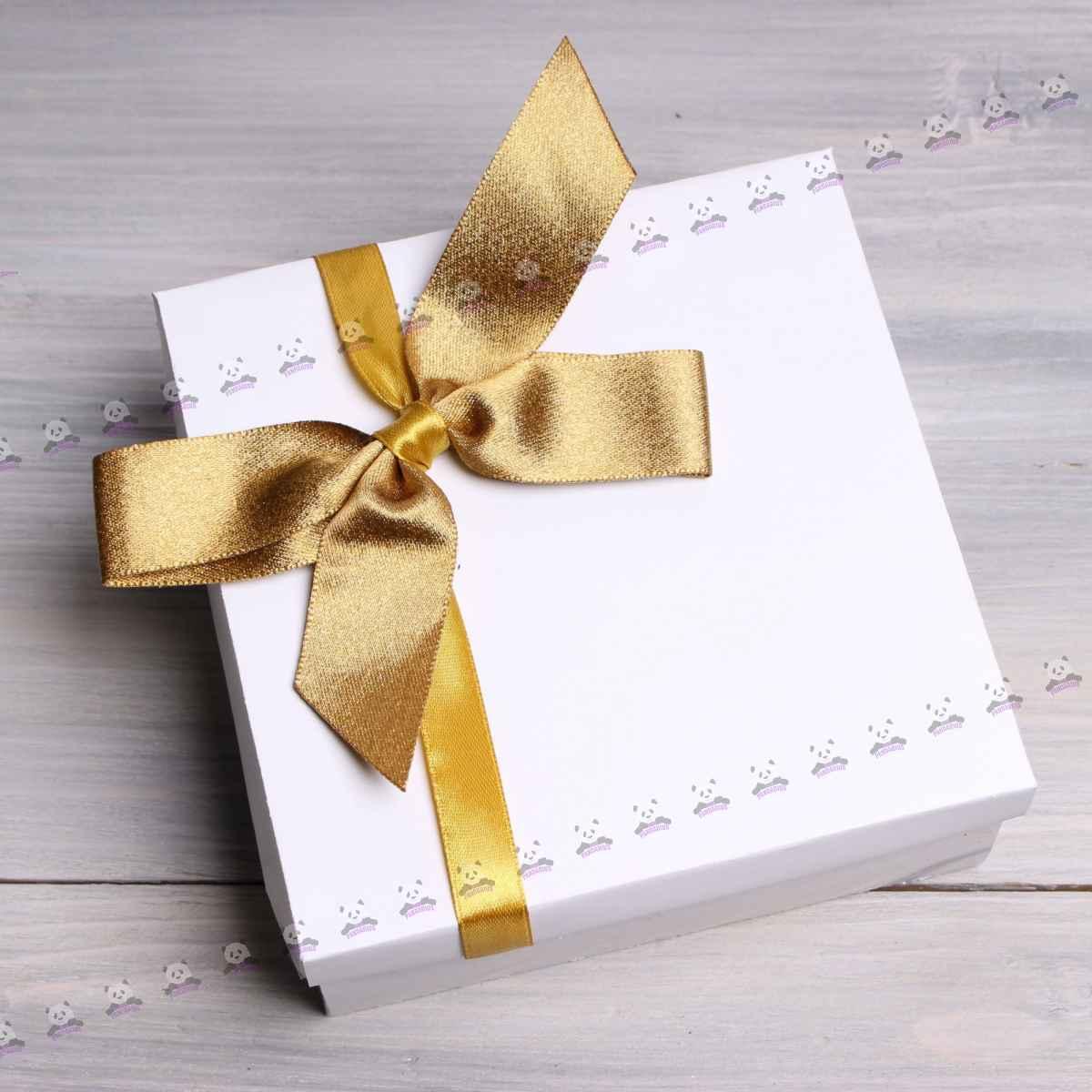 Корпоративный подарок на 8 марта Весенняя посылка